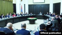 Armenia - A weekly cabinet session in Yerevan, 20Sep2012.