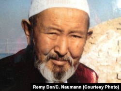 The late Haji Rakhmankul Khan organized an exodus of Pamir Kyrgyz from Afghanistan in 1978.