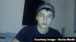 20-летний учитель школы из Андижанской области Мухаммадризо Эргашев.