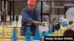 «Наше завдання – відкрити всі геодані про надра, надати можливість на основі прозорих аукціонів приходити українському та світовому бізнесу і добувати український газ» – голова уряду