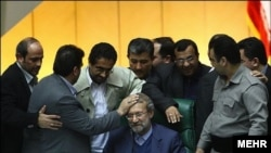 Эрон - Али Ларижоний, Эрон парламенти - Мажлис спикери, 2013 йил, 3 феврал