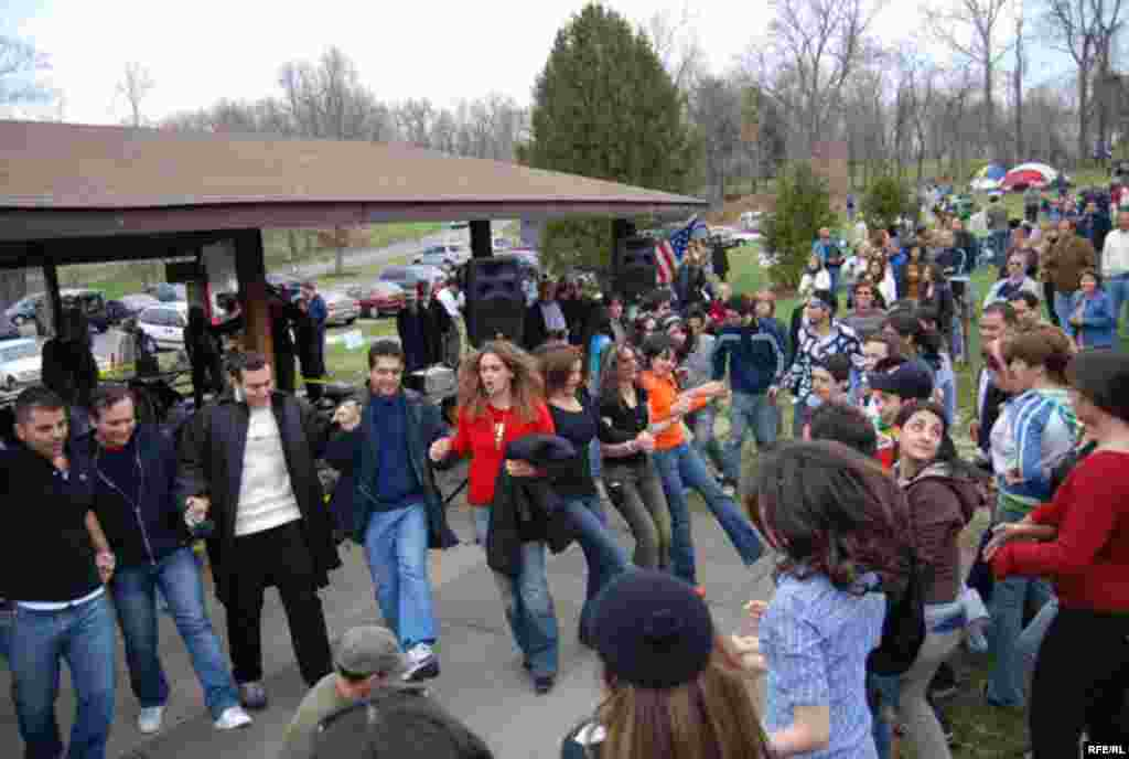 U.S. -- 13 Bedar in Black Hill, 13 bedar is the Persian Festival of springs. It is a full day of mass Outdoors Picnic, which occurs on the 13th day of Norouz, 01Apr2007