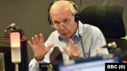 Джон Хъмфрис в студиото на радио предаването Today, на което той е водещ 32 години