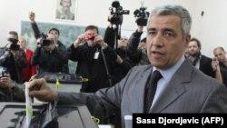 Косоводогу этникалык лидерлердин саясий лидери, маркум Оливер Иванович.