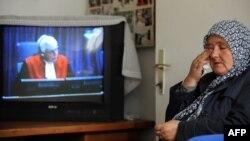 Ramiza Gurdić koja je preživjela genocid u Srebrenici prati suđenje Ratku Mladiću