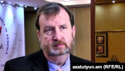 Посол США в Армении Ричард Миллз (архив)