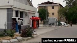 Банкомат в Ашхабаде (архивное фото)