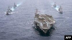 ناو جنگی وینسون آمریکا که به سوی شبهجزیره کره در حرکت است
