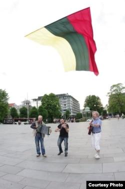 Литовский флаг над Фестплассен, 2012 год