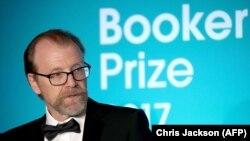 2017-ci il üçün Britaniyanın Man Booker mükafatını amerikalı George Saunders alıb
