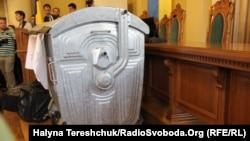 Смітник на сесії Львівської міськради. 31 травня 2016 року