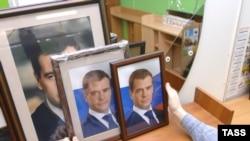 Эксперты не берутся предсказывать, каким Медведев будет в роли президента и какую политику по отношению к Западу изберет