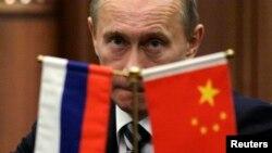 چین به طور معمول از عملکرد روسیه در شورای امنیت، از جمله در مورد سوریه، حمایت کرده است