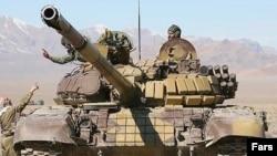 سپاه هم اکنون به سلاح سنگین مجهیز است.