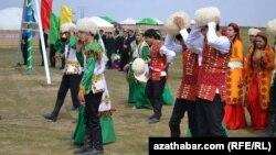 Празднование Новруза (архивное фото)