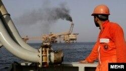 میدان گازی فرزاد، شامل دو میدان گازی است که ایران و عربستان سعودی مالکیت مشترکی بر آنها دارند.