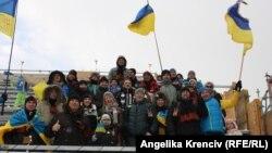 Українські біатлонні вболівальники підтримують свою команду