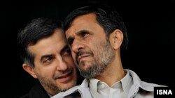 Махмуд Ахмадінеджад (п) і Есфандіяр Рагім-Машаї (л)