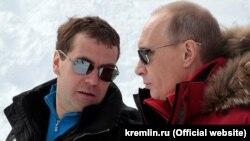 """Лицом к событию. Медведев и """"обормот"""""""