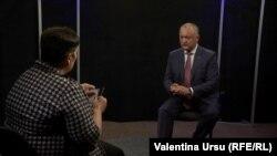 Valentina Ursu intervievîndu-l pe președintele Igor Dodon în studioul Europei Libere, Chișinău, 18 iunie 2019