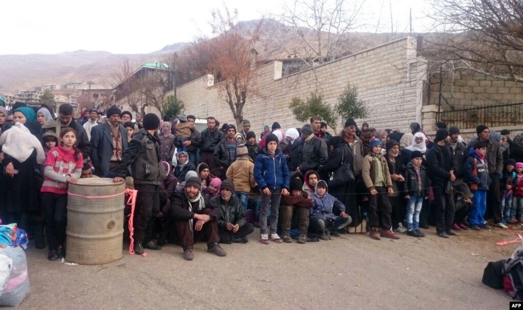 Досирійського міста Мадая, жителі якого голодували, прибув гуманітарний конвой