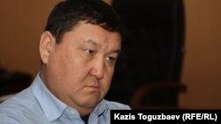 Амангельды Айткулов в бытность первым заместителем акима Мангистауской области. Жанаозен, 18 декабря 2011 года.