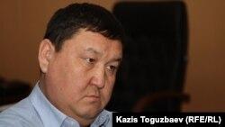 Амангелді Айтқұлов Маңғыстау облысы әкімінің бірінші орынбасары кезінде. Жаңаөзен, 18 желтоқсан 2011 жыл.