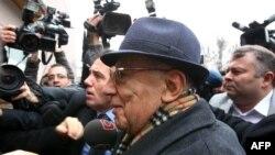 Генерал Исмоил Ҳаккӣ Қарадоӣ