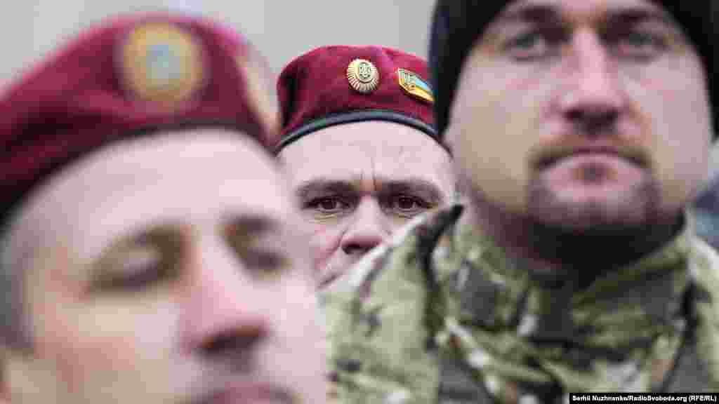 Конфликт в Восточной Украине продолжается почти три года, он унес более 10 тысяч человеческих жизней.