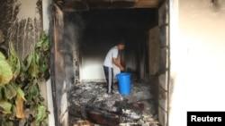 Американское консульство в ливийском городе Бенгази на следующий день после атаки.
