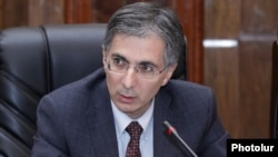 Armenia - Economy Minister Tigran Davtian speaks in Yerevan, 30Jan2012.
