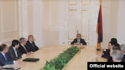 Armenia -- President Sarkissian holds a meeting of National Security Council, 21Apr2010