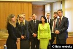 В крымском парламенте состоялась встреча с представителями политических организаций Республики Сербия