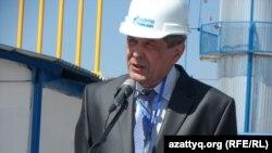 Битум зауытының бас директоры Виктор Павличев. 17 сәуір 2014 жыл.