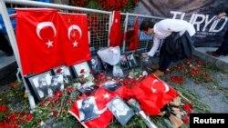 Квіти на місці нападу, Стамбул, 3 січня 2017 року