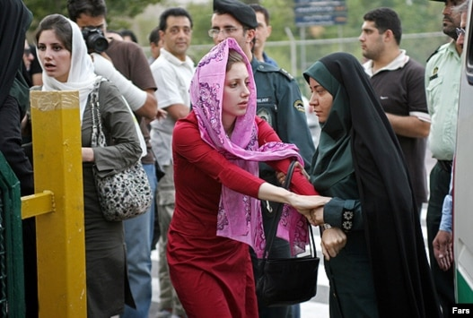 Innovative Iran President Clashes With Clergy Over Womens Dress Code  Women