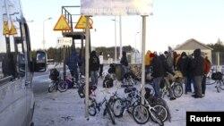 Беженцы на российско-норвежской границе в поселке Никель
