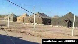 Türkmenistana getirilen raýatlar 2 hepde möhlet bilen hökmany karantin zonasynda saklanarlar.