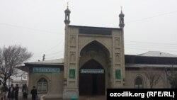 Мечеть в узбекистанском городе Андижане.