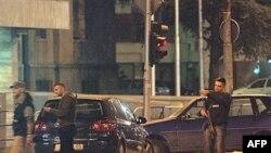 Pripadnici specijalne policije u akciji u centru Skoplja - arhivski snimak.
