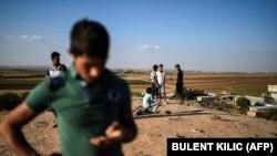 مردم در ترکیه در نزدیکی مرز شاهد آخرین نبردها با داعش در سوریه هستند