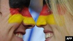 Германия құрамасының жанкүйерлері. Оңтүстік Африка, 10 шілде 2010 жыл. (Көрнекі сурет)