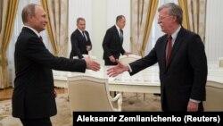 Перед началом встречи Путина с Болтоном