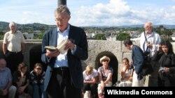 """Dublində """"Coys qülləsi""""nin başında """"Uliss""""in qiraəti, 16 iyun, 2009"""