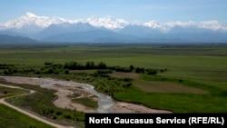 Вид на Кавказский хребет
