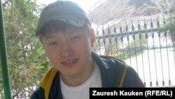 Динмухамед Хавдалхан, студент второго курса Алматинского музыкального колледжа имени Чайковского. Алматы, 6 мая 2014 года.