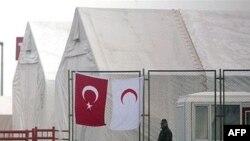 دفتر کميساريای عالی امور پناهندگی سازمان ملل متحد در ترکيه می گوید شمار مراجعه کنندگان دريافت پناهندگی به دفاتر اين سازمان سه برابر افزايش يافته است.
