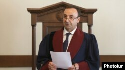 Armenia -- Constitutional Court Chairman Hrayr Tovmasian reads out a court verdict on an appeal filed by former President Robert Kocharian, September 4, 2019.