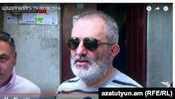 Алек Енигомшян после освобождения из-под ареста, 8 августа 2016 г.