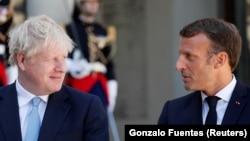 "Boris Johnson vs. Emmanuel Macron = ""The Economist"" vs. ""Le Monde Diplomatique"""